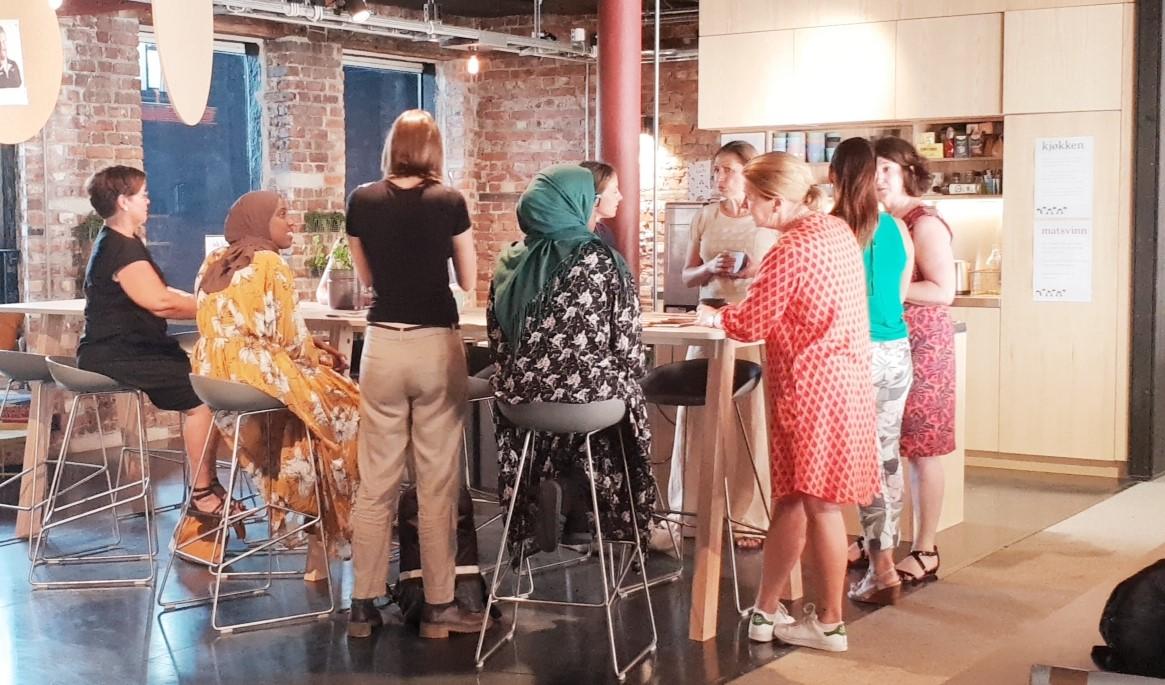 Kvinner som bygger nettverk